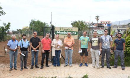 El Ayuntamiento entrega las llaves de los huertos municipales