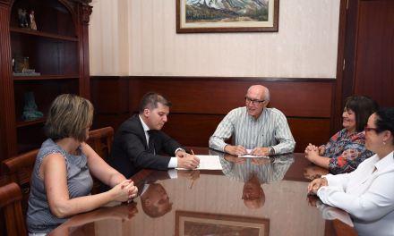 El Ayuntamiento de Santa Úrsula impulsa la integración social a través del proyecto 'El diván'