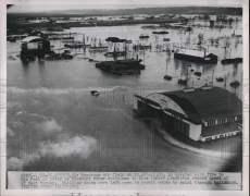 1952 Press Photo The flooded town of St. Joseph Missouri