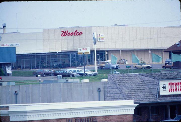 Woolco 1986