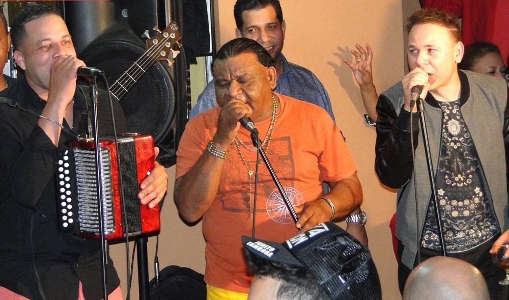 Musicos Tipicos A Cuarteto En Cacique Moncion (1-13-2015)