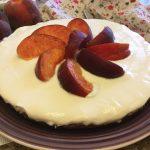 Cheesecake di ricotta e yogurt alle pesche