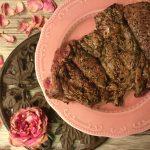 Filetto di scottona alla griglia con sale alle erbe e petali di rosa