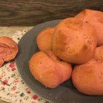 Pane rosa alla barbabietola e semi di girasole