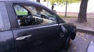 23112013 auto vandalizzata santuario (3)