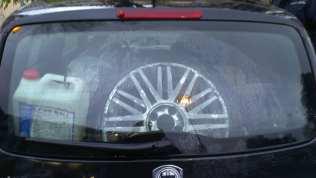 23112013 auto vandalizzata santuario (4)