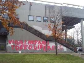 09122013 scritte municipio