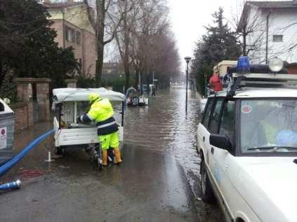 22012014 sei caronnese a Modena per alluvione (1)