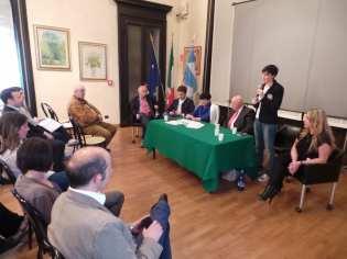 18042015 forza italia incontro futuro giovani (2)