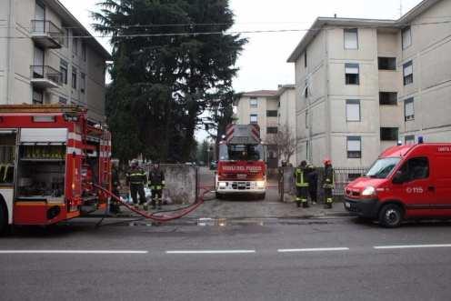 10012017 incendio appartamento via Miola 1 (17)