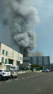 20170421 incendio marnate colonna fumo (8)