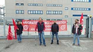 20170511 amazon sciopero filt cgil origgio caronno (12)