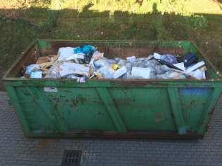 cogliate container rifiuti centro sportivo (1)
