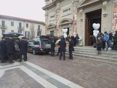 20171207 funerale matteo carnelli alessandro masini saronno (3)