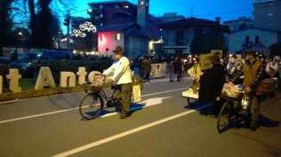 201801013 sant'antonio fiaccolata biciclette da lavoro (1)