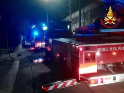 incendio tradate pompieri saronno 16122018 (1)