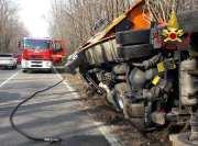 autocisterna azoto liquido ribaltata a tradate vigili del fuoco 08032019 (2)
