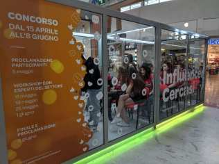 20190511 influencer cercasi centro commerciale carrefour limbiate (4)