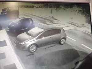 ladri auto lazzate