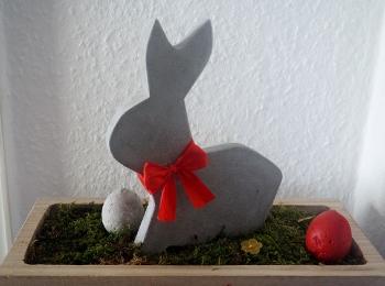 Vom Hasen und dem roten Ei