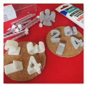 Zahlen aus Keramik-Gießmasse und Modelliermasse