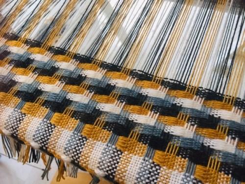 On the loom Metamorphosis 1 - Ilse Philips
