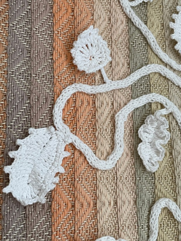 Handwoven wallhanging Autumn Leaves - Botanical Collection Ilse Philips - Detail
