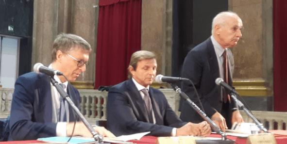 Raffaele Cantone (primo da sinistra) all'incontro di stamattina.