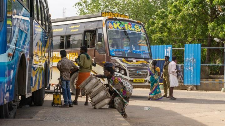 Gare routière en Inde