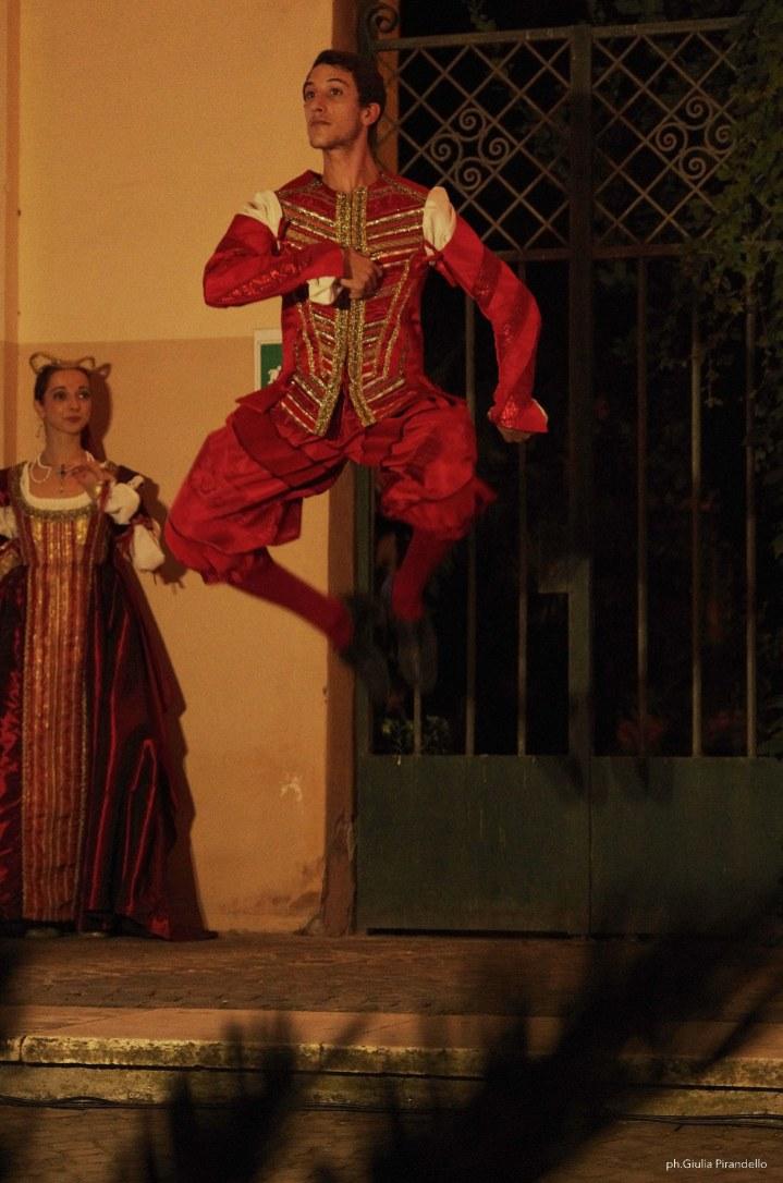 Danze storiche AND