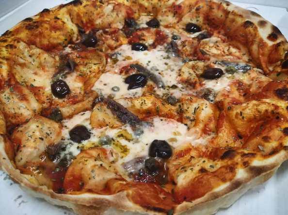 Focaccia al formaggio Pizzata, Follie di Focaccia a Rapallo