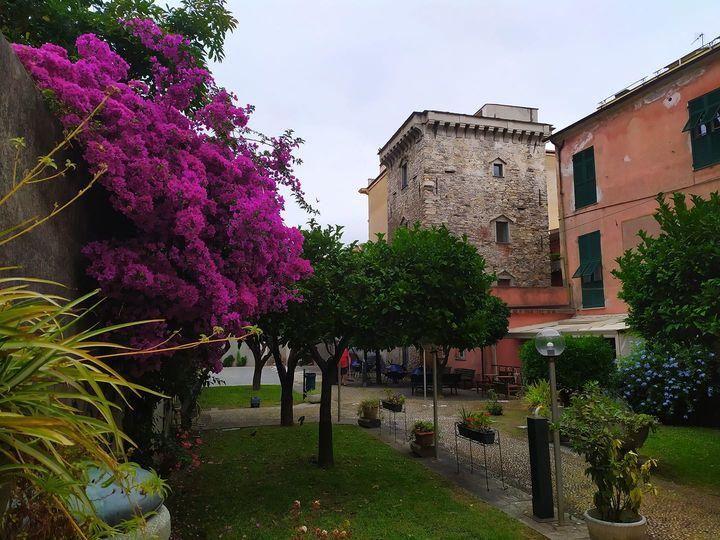Lavagna, giardino della Torre del Borgo