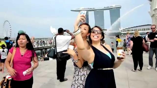 rakyat singapura selfie