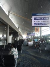 """Portão sala espera Aeropuerto """"El Dorado"""" Bogotá Colômbia 10"""
