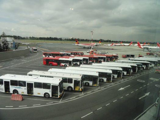 """MANGA TELESCOPICA Aeroporto """"El Dorado"""" Bogotá Colômbia jet bridge jetway"""