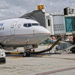 ADELETE_Ponte_Embarque_gate_passageiro_Portão_Sala_bridge_Airport