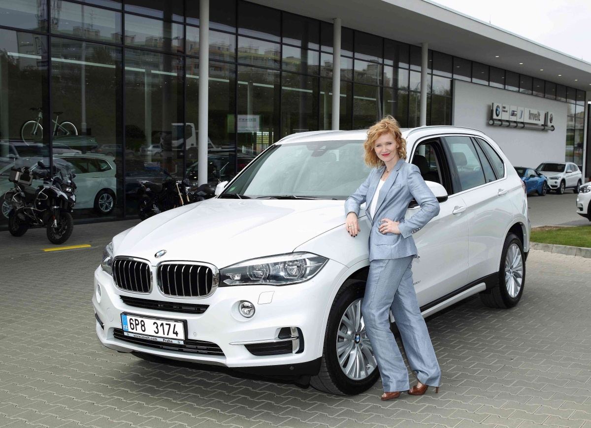 Invelt predavani vozu BMW X5 Ane Geislerove_1