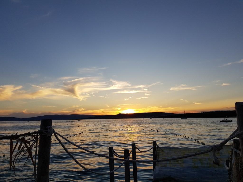 Cosa vedere sull'isola di Krk: il tramonto sulla spiaggia di Punat