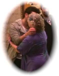 IMG_Gianluca_hug_kiss_Jeanine