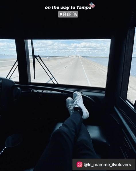 Tour Bus 16