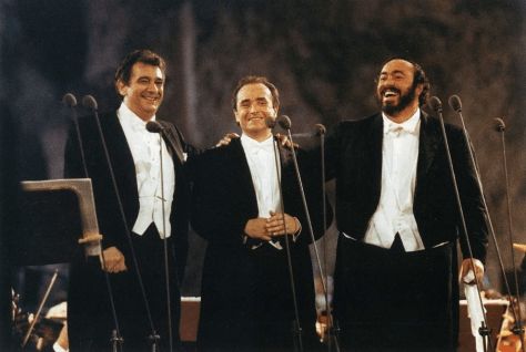 Photo of the Three Tenors Plácido Domingo, Jose Carreras and Luciano Pavarotti from July 7, 1990 on stage in Rome