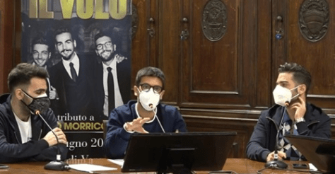 Left to right: Ignazio, Piero (speaking) and Gianluca at the press conference