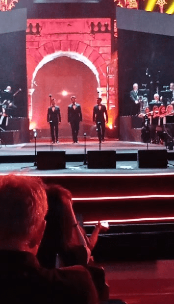 IL VOLO arrived on the stage