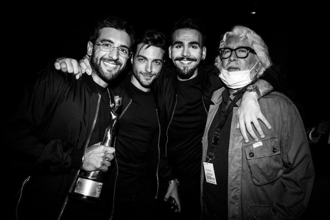 IL VOLO with their award and with their manager Michele Torpedine