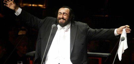 luciano-pavarotti-1234435745-article-0