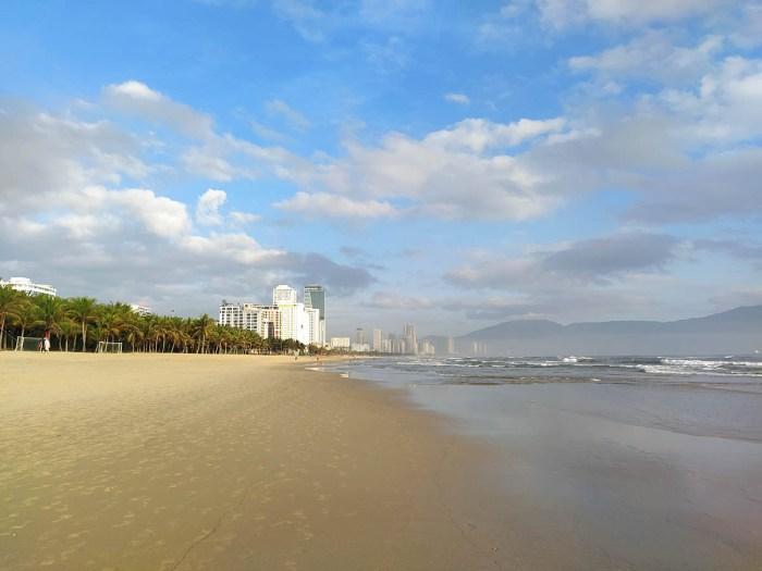 зимний пляж дананга