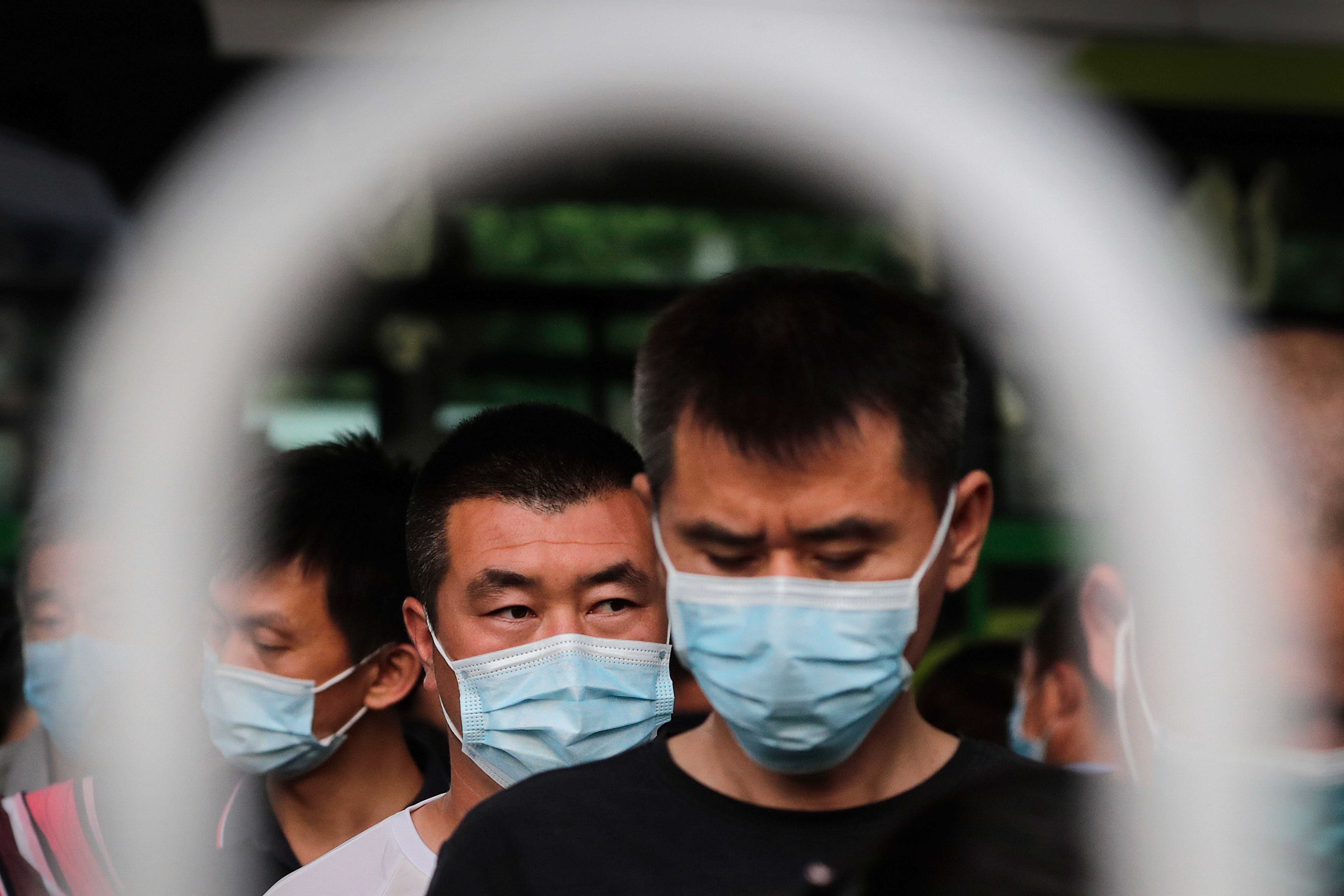 Photo of China's Virus Tracking Technology Sparks Privacy Concerns