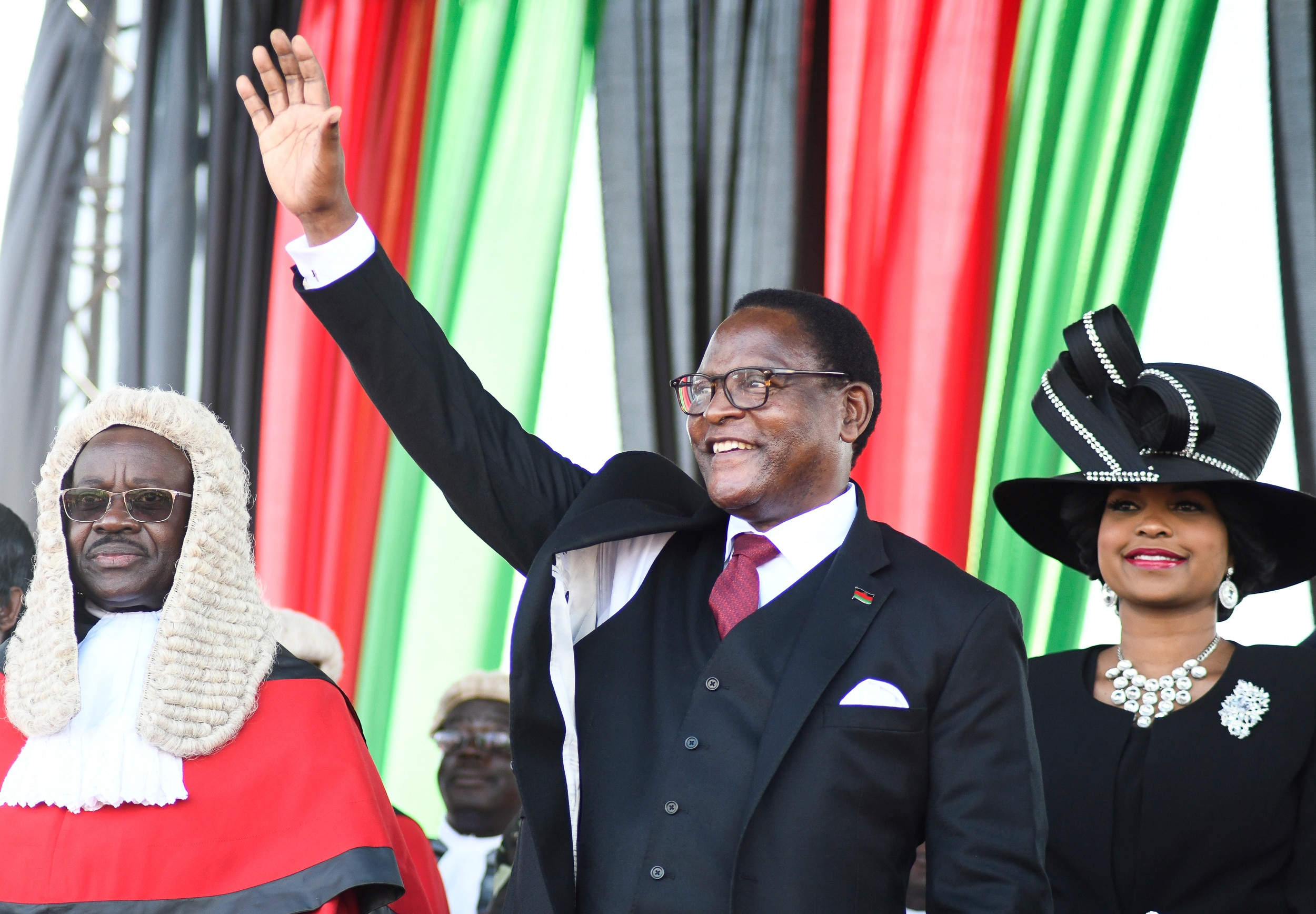 Photo of Malawi's New President Sworn in Amid High Expectations