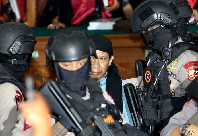 Indonesia Issues Death Penalty To Cleric For Is Ties Voice Of America English