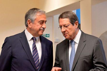 Znalezione obrazy dla zapytania Nikos Anastasiadis i Mustafa Akıncı